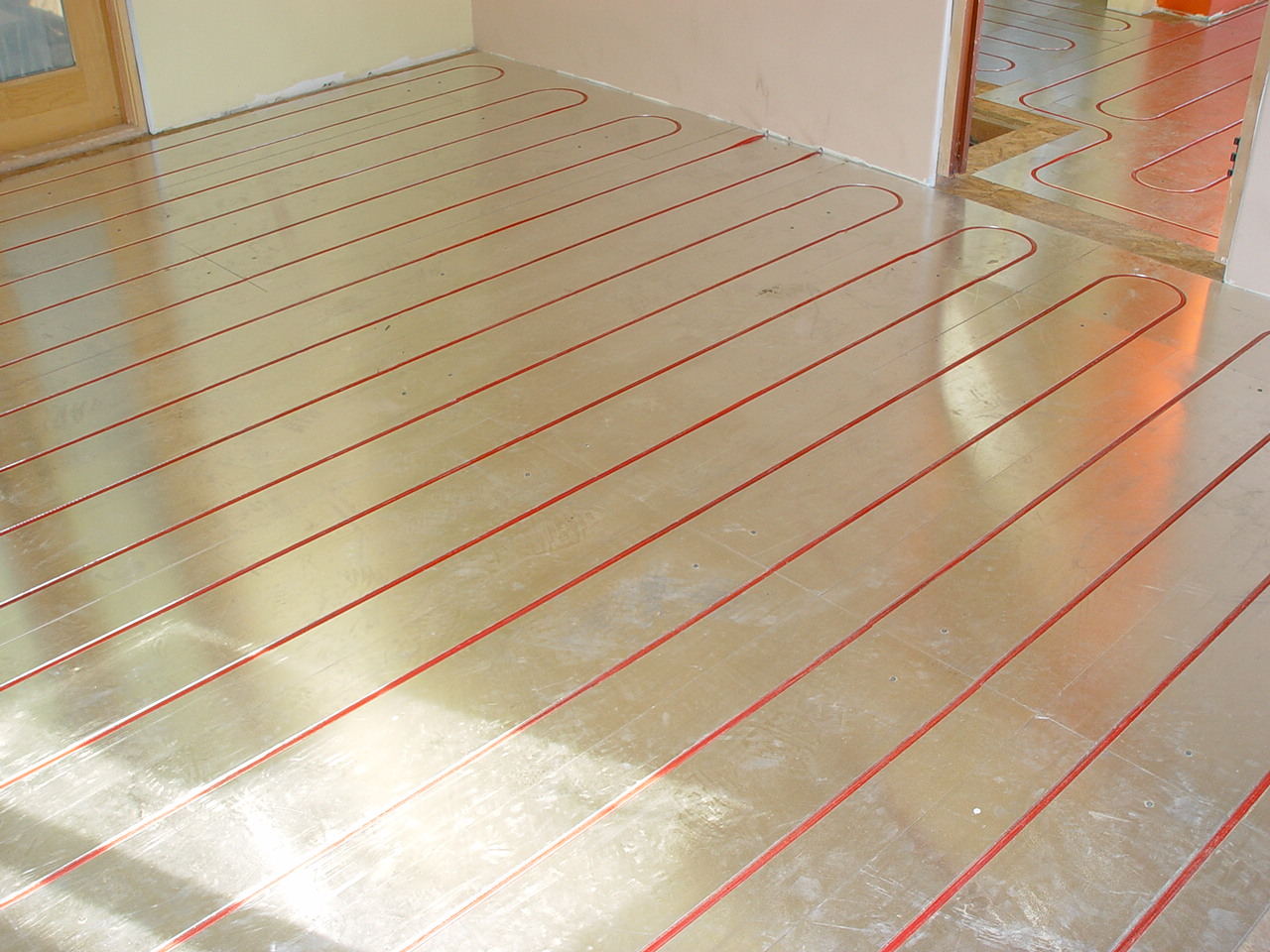 Understanding hydronic heating options for Radiant heat flooring options