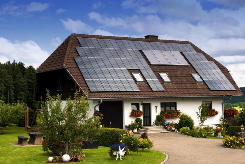 SolarPanelHouse_lr_Shutterstock